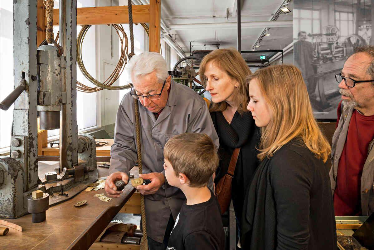 Das Technische Museum Pforzheim erweckt die Schmucktradition zum Leben